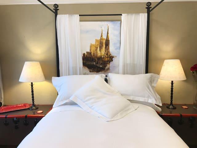 Burlingame  1 bed, & lounge apartment, close SFO