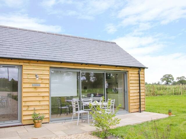 The Cow Barn - Luxury rural accommodation