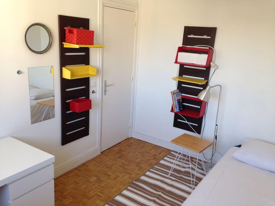 chambre 12m2 calme lumi re appartements louer paris idf france. Black Bedroom Furniture Sets. Home Design Ideas