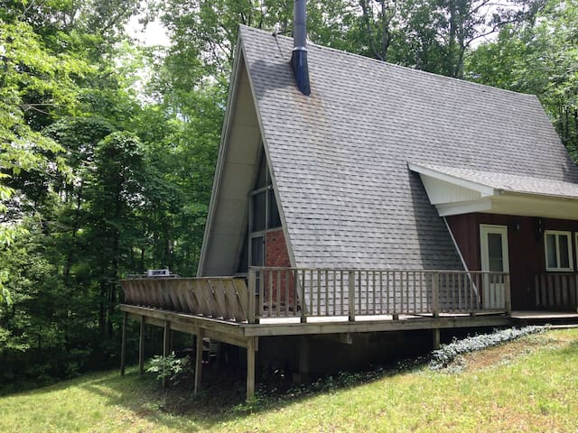 house on wooded lot @ Peek'nPeak ski & golf resort - Clymer - Cabin