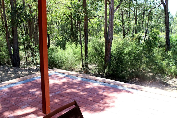 Quenda Creek Bush Retreat - Walliston