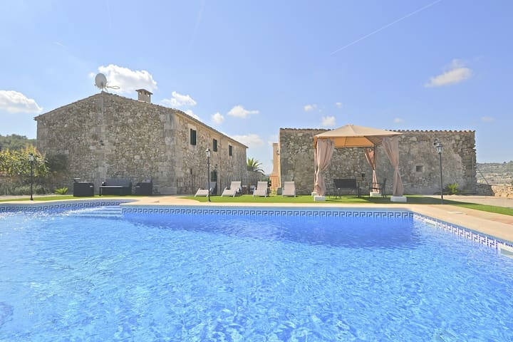 CIPRES - Country house with swimming pool in Sant Joan