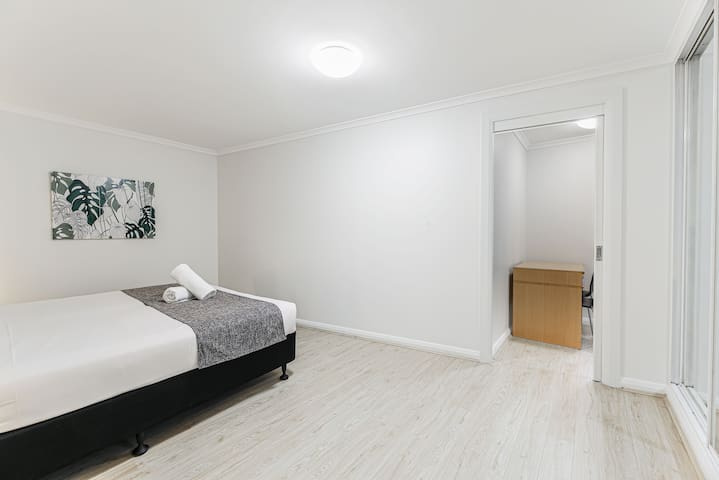 Spacious 1 BR apartment in Sydney CBD/Barangaroo-4