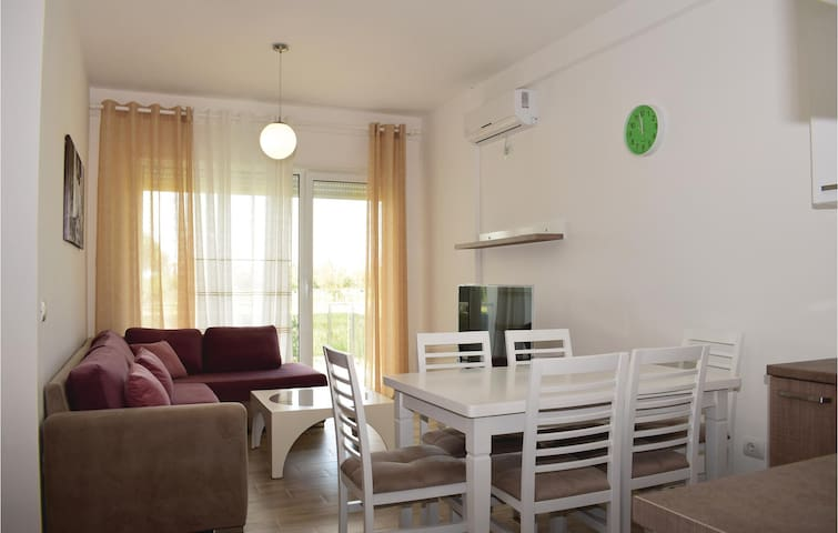 Holiday apartment with 2 bedrooms on 57m² in Durres