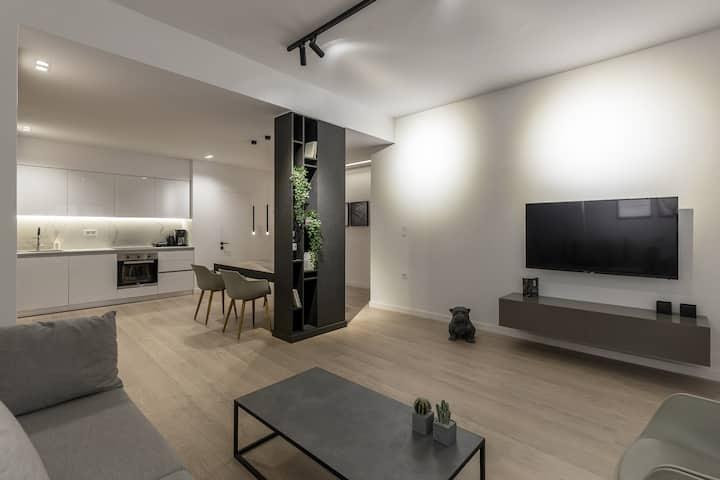 Pangrati Grove Apartment