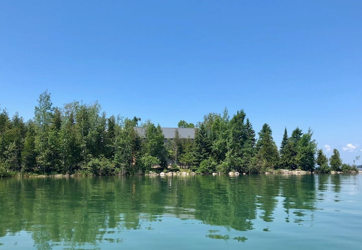 Willoughby Island: private home & island!