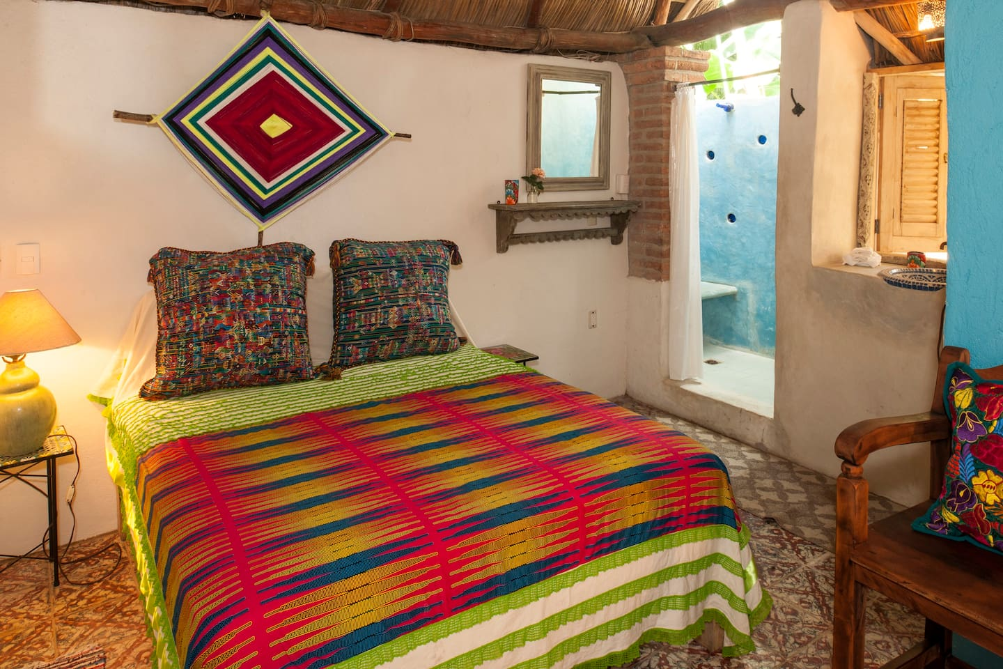Sueños Mágicos. Is the perfect place for woke up in, the palapa roof and the light of the sun coming from the shower. Feel the water source and the special birds singing closer to your window.