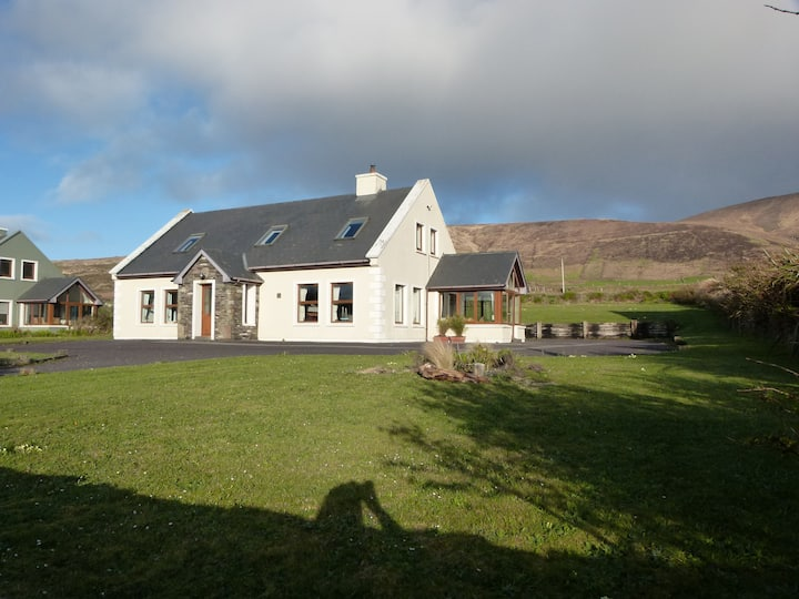 Four bed house with Blasket Island views