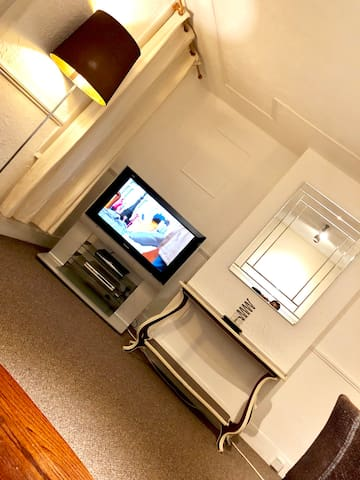 AC Lounge Apartment, Rochford, Southend-on-Sea