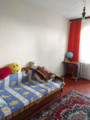 Comfortable Room close to the metro, city center - Kyiv - Apartment