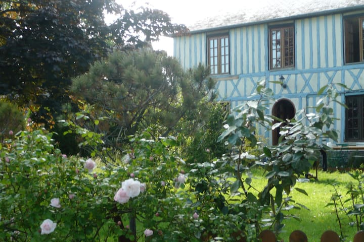 Charmante maison normande et jardin - Gerponville