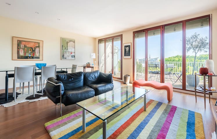CALM APARTMENT - 15 MINUTES WALKING FROM THE HEART OF BORDEAUX