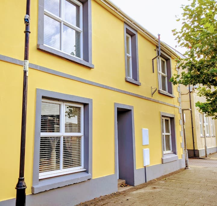 A Beautiful Apartment In A West Wales Market Town