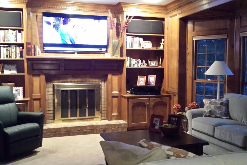 Cozy family room with cable TV.