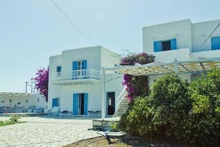 Veni Villa in Paros - Santa Maria