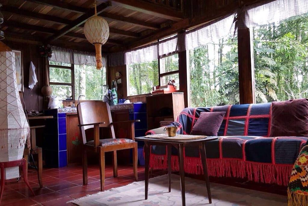 Sala y cocinita - Living room & kitchenette