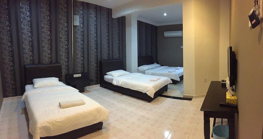 Homestay Muar - Prada Room for 4 - Muar - Huis