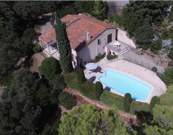 Villa de 160 m2 avec piscine - terrain de 3500 m2