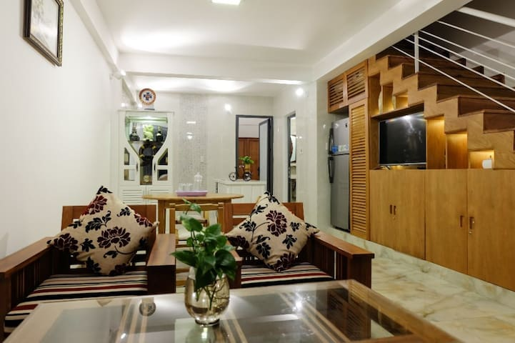 SAMI HOUSE - 4 bed - 5minutes walking to the beach