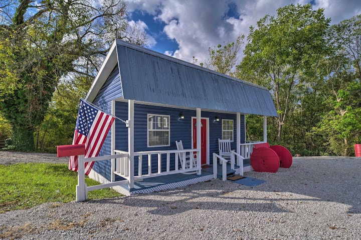 NEW! Cozy LaFollette Cottage - 5 Miles to Marina!
