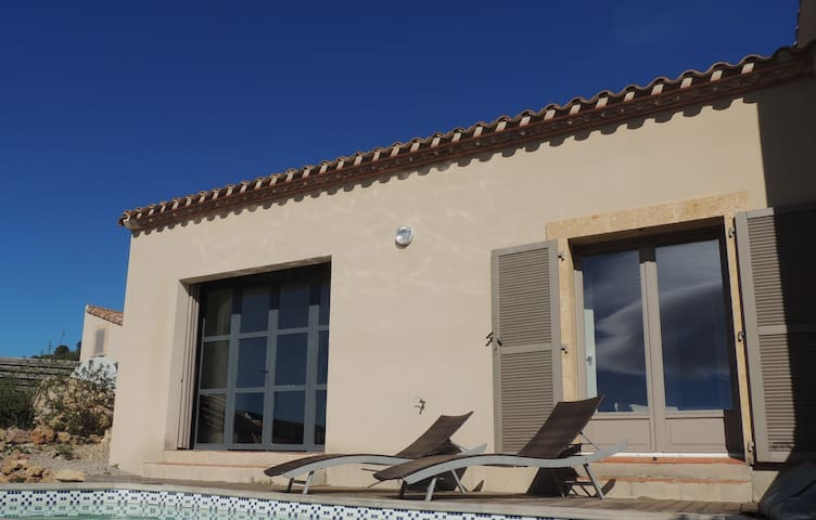 Between land and sea, villa in the Cathar area - Durban-Corbières - Huis
