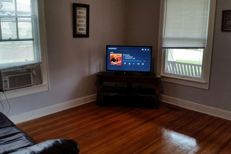 TV has Netflix