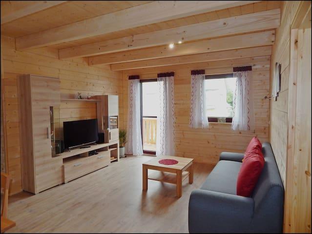 Gemütliche Ferienwohnung 70 m² mit Balkon - Kelheim