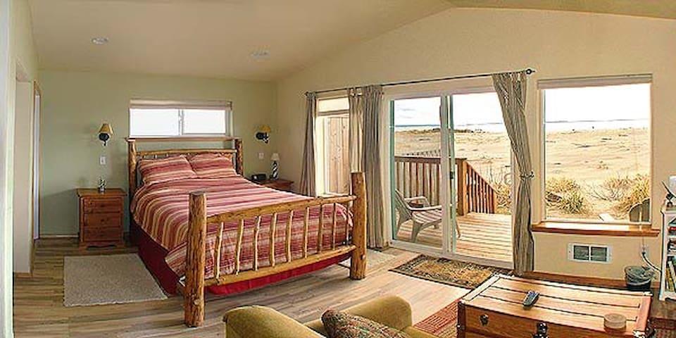 Snugglers Cove Resort LLC/ 4  Beach Front Cabins
