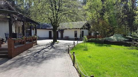 Quiet apartment in bungalow style