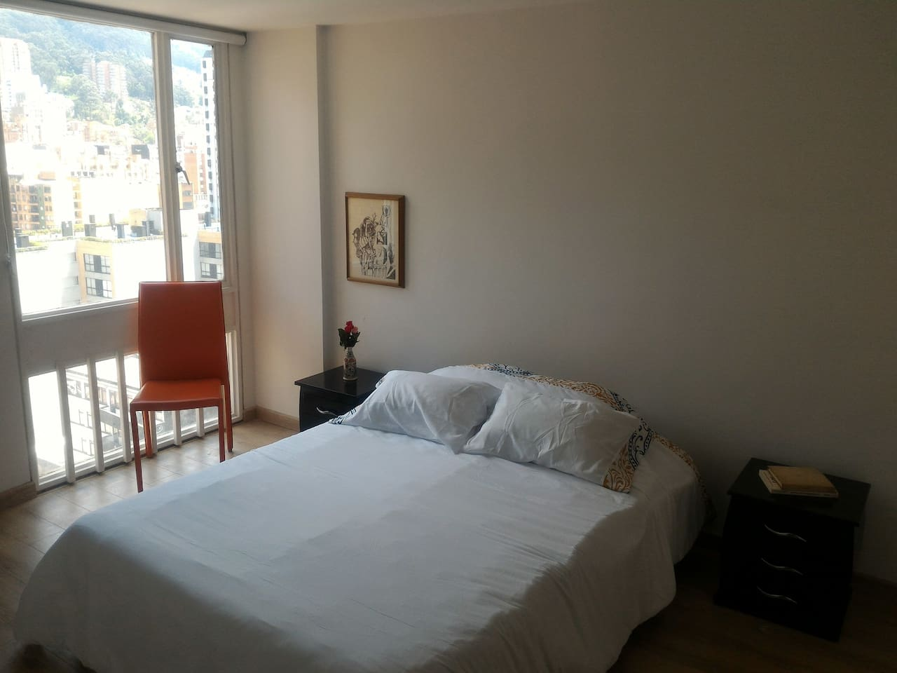 Cuarto con cama doble/ Room with bed for two