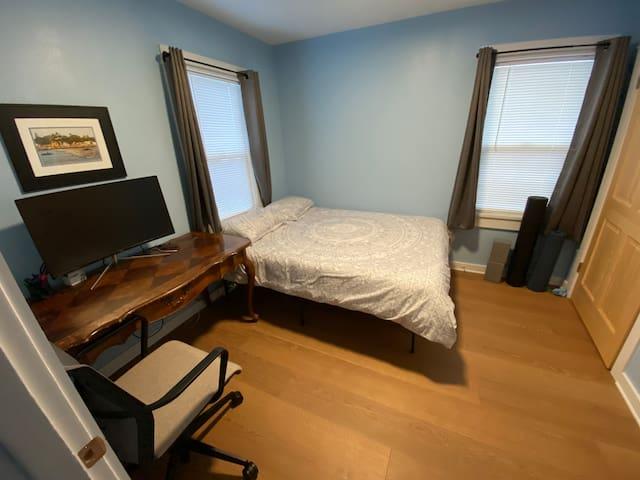 Office / 2nd Bedroom