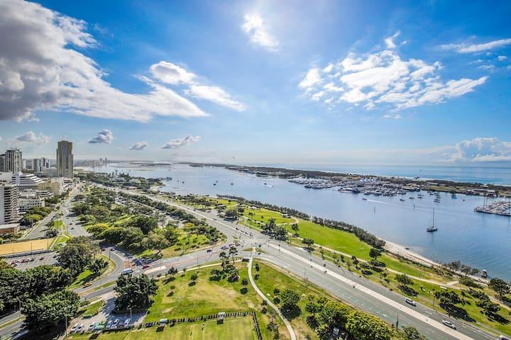 Ultimate Ocean & Marina View  2B2B High Level APMT