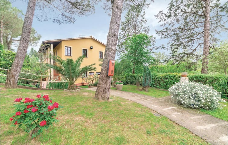 Holiday apartment with 1 room on 24m² in Montopoli Val d'Arno