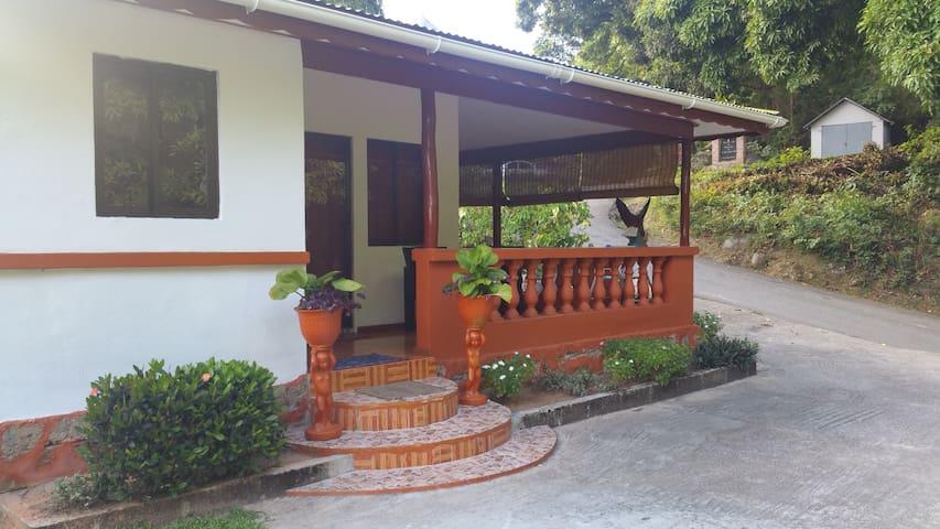 PRASLIN : Seychellois experience : Roy&Morry