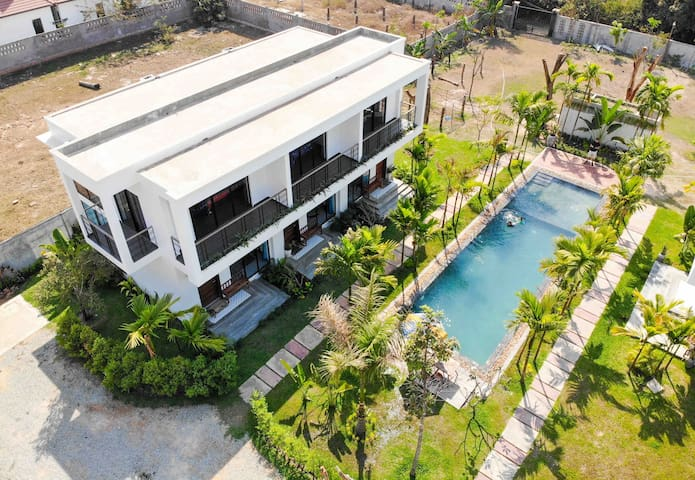 Modern 3 separated Villa w/ 3 bedroom, Pool,Pickup