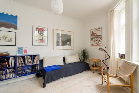 Lovely, bright apartment in the old heart of CPH