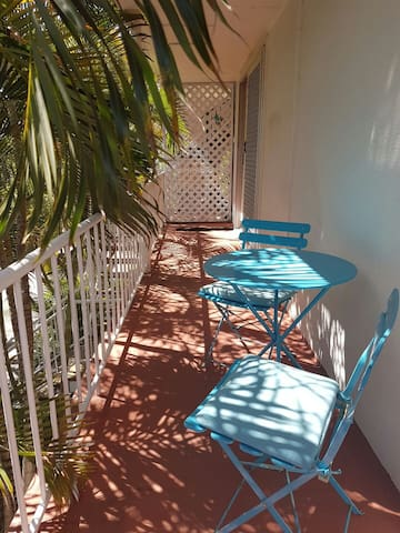 Sunny Queenslander on Chevron - Surfers Paradise - Apartemen