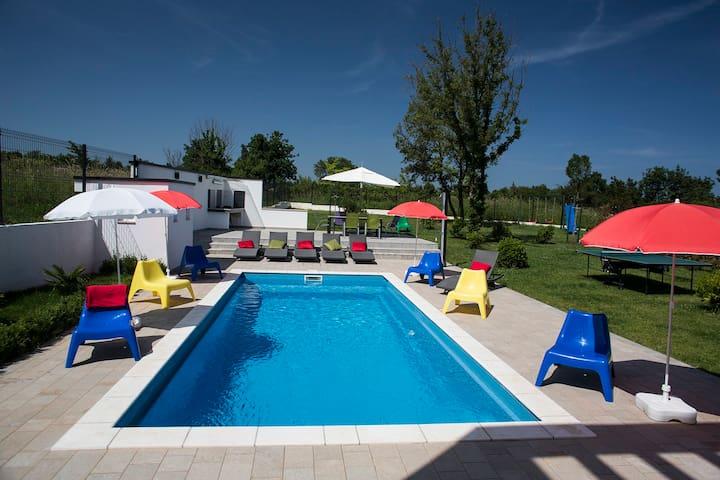 Gorgeous pool house CASA-MIRNA - Ližnjan - Villa