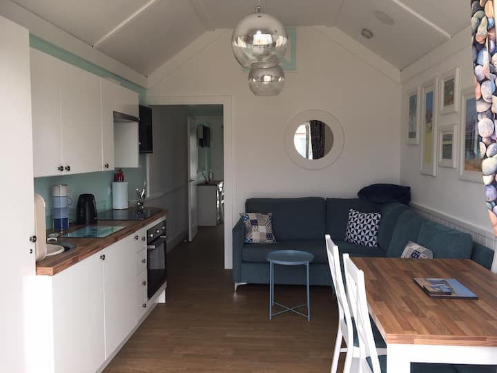 Large 2 berth central heated chalet in Bridlington