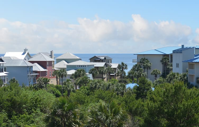 Top Floor Penthouse Close to Rosemary, Gulf View