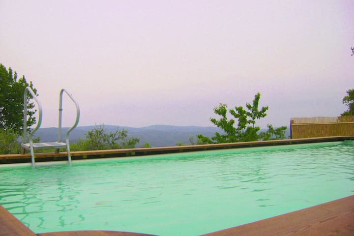 Beautiful antique borgo with breathtaking panorama's and pool