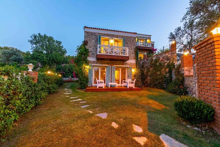 Villa Familia Selimiye  Daily Weekly Rentals