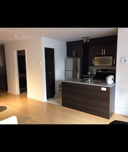 Bright, modern studio condo - 拉瓦勒(Laval) - 公寓