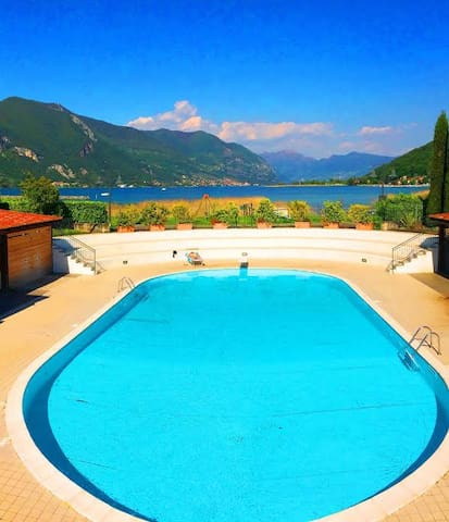 ISEO LAKE APARTAMENT WITH SWIMMING POOL VIUW LAKE