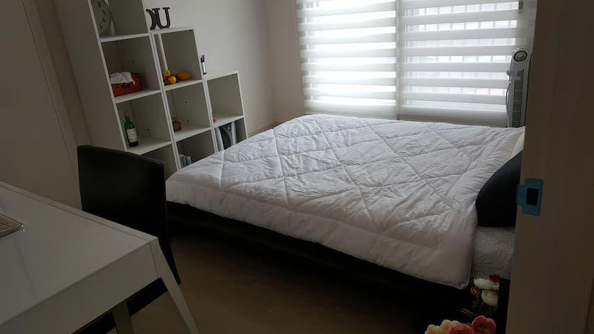 Black and white quite guesthouse(2) - 동두천시, 경기도, KR - Appartement
