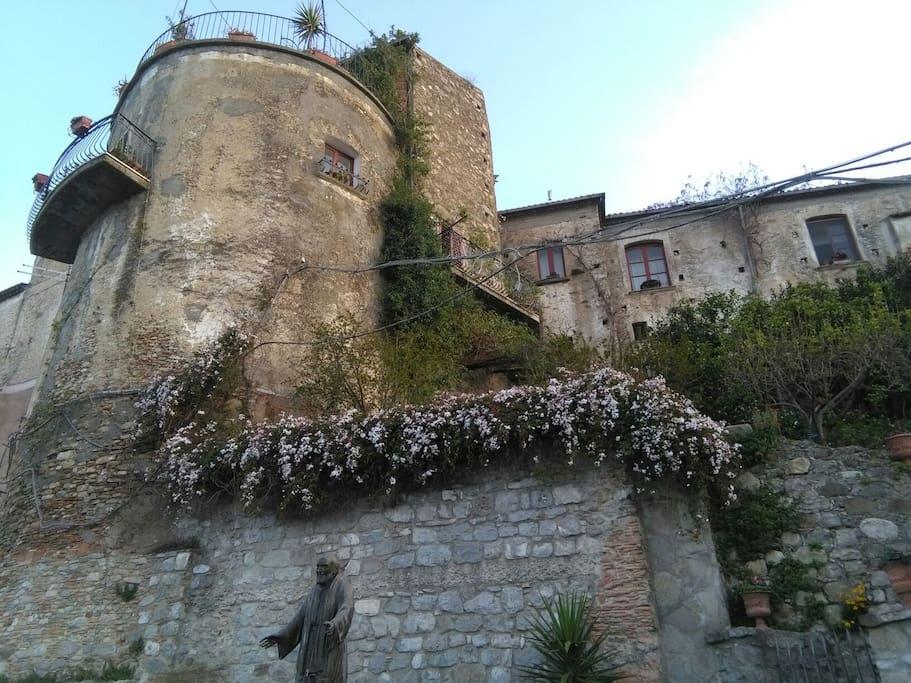 torre annessa alle mura di cinta della cittadella