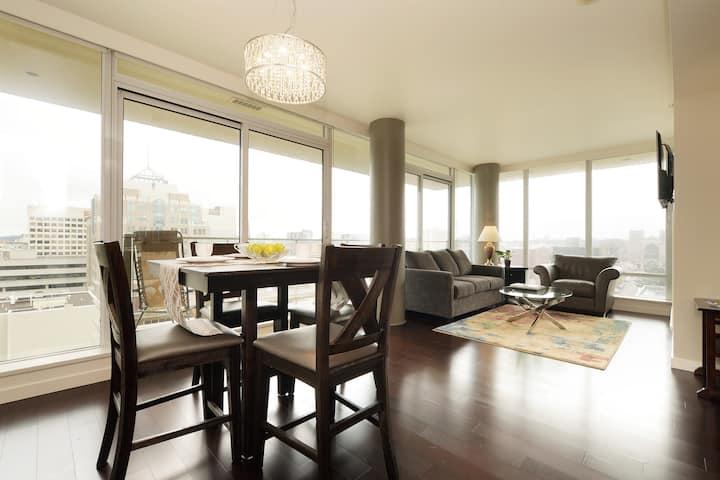 Luxury 2 Bedroom with City & Ocean Views