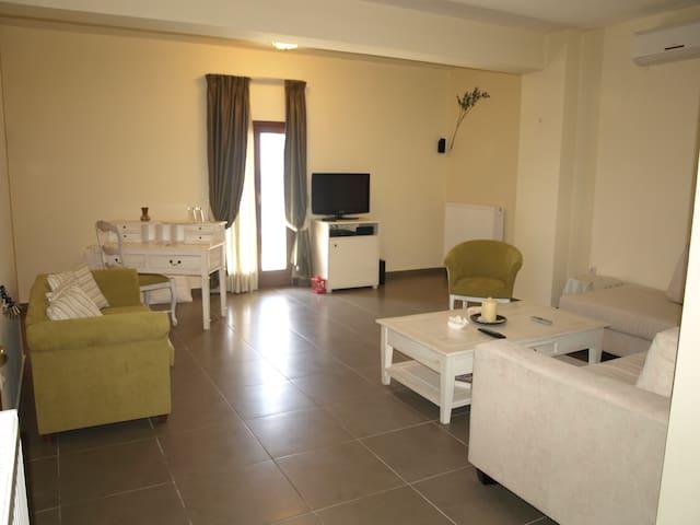 Porto Mani Suite - Κυπάρισσος - Bed & Breakfast