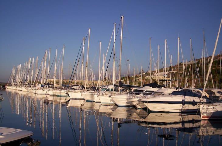 Monolocale alla Marina degli Aregai - Santo Stefano al Mare - Huoneisto