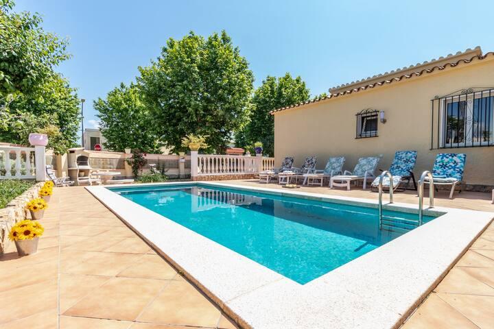 Casa única, piscina privada. Playa